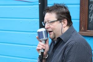 Crooner Alain