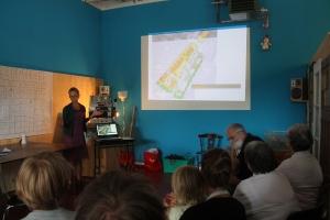 Els stelt het ontwerp van de tuintjes voor